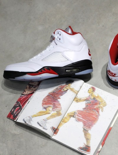 NIKE AIR JORDAN5 Fire Red